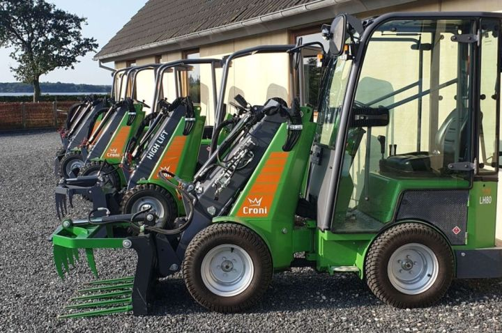 Mini loaders in a row